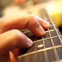 10 Essential Principles for Learning Guitar