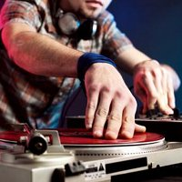 5 Tips for Selecting DJ Equipment